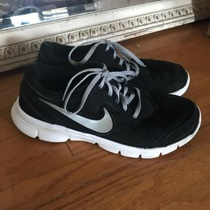 Nike work out shoe